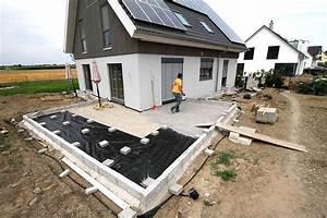 Dielenbretter Für Terrasse : l f rmige terrasse aus robinienholz ~ Michelbontemps.com Haus und Dekorationen