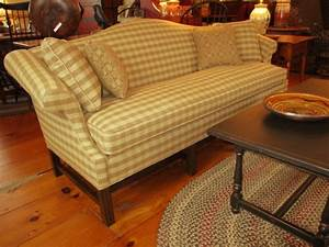 Kolonial Sofas : 1000 images about reproduction colonial upholstered ~ Pilothousefishingboats.com Haus und Dekorationen