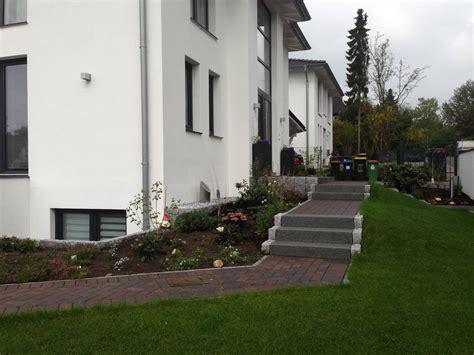 Terrasse Mit Stufen Zum Garten by Terrasse Mit Stufen Righini Garten Und Landschaftsbau