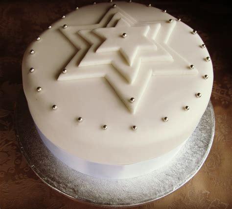 good food shared   decorate  christmas cake