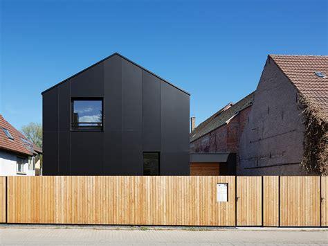 Moderne Häuser Bildergalerie by Schatten Am Ortseingang Wohnhaus In N 246 Ttingen Haus