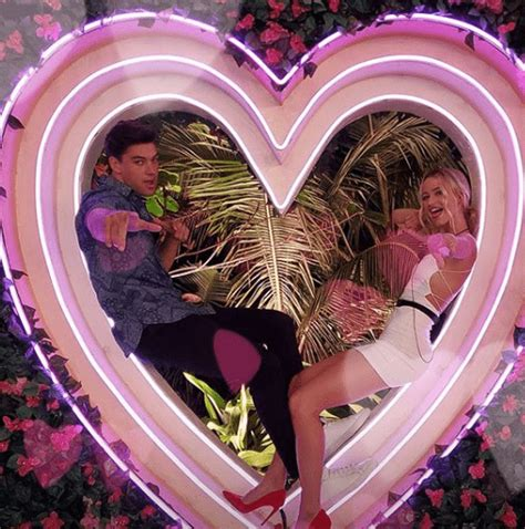 island season couples zac elizabeth fans meaww enough four