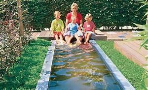 Gartenteich becken voller wasser teich anlegen selbstde for Garten planen mit pflanzkübel kunststoff eckig