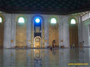 Surabaya Al-Akbar Mosque: The Biggest Mosque in South East ...