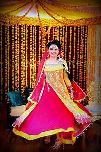 Pakistani bridal mehndi dresses 2013 trends - mehndi outfits