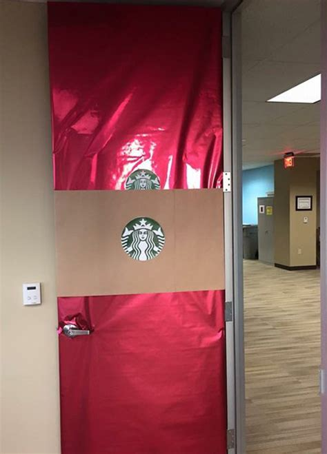 door decorating contest ideas pictures my door was voted quot most offensive quot in the office