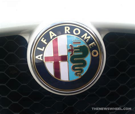 badge  alfa romeos logo features  snake