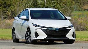 Toyota Prius Prime Outsells Honda Clarity Phev In U S  In