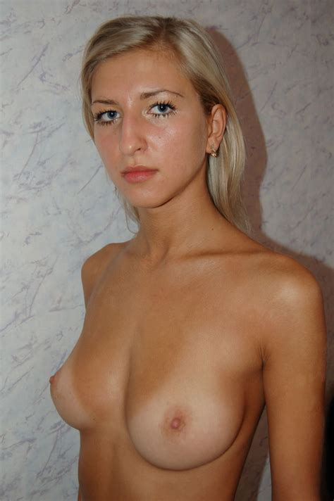 amateur Blondy With Sweet Boobs russian sexy Girls