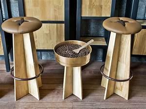 Tabouret Haut En Bois : bottone alto tabouret haut en bois assise garnie disponibles en diff rents couleurs sediarreda ~ Teatrodelosmanantiales.com Idées de Décoration