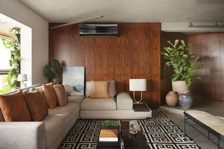 sofa vermelho e tapete preto cor bege leveza e eleg 226 ncia na decora 231 227 o 60 modelos para