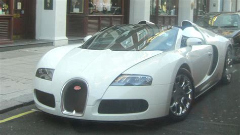 The bugatti veyron 16.4 '13 is a hypercar featured in gran turismo 6 and gran turismo sport. Bugatti Veyron 16.4 Grand Sport | White, parked near Bond St… | Flickr