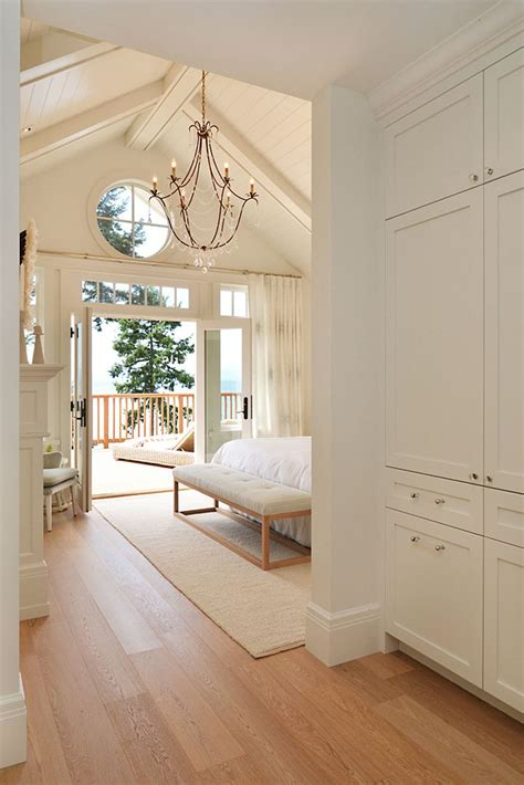 Small Bedroom Addition Ideas by Best 25 Vaulted Ceiling Bedroom Ideas On