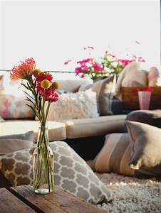 coussin exterieur pour salon de jardin un confort optimal With tapis champ de fleurs avec canapé grand confort