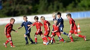 Kindergeburtstag Fußball Spiele : die kinder einfach spielen lassen dfb deutscher fu ball bund e v ~ Eleganceandgraceweddings.com Haus und Dekorationen