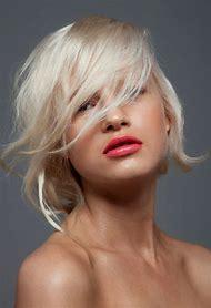 Lip Color for Platinum Blonde Hair