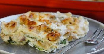 herve cuisine lasagne lasagnes faciles au poulet pesto et ricotta ultra moelleuses