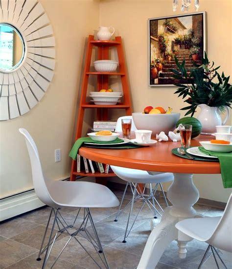 Designs for your self made corner shelf ? space saving