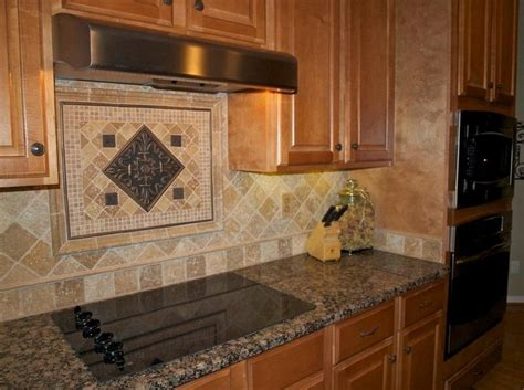 Kitchen Tile Backsplash Designs - best 10 travertine backsplash ideas on pinterest beige kitchen fanabis