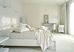 Deco chambre adulte blanc for Chambre à coucher adulte moderne avec housse de couette baton rouge
