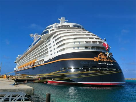 Disney Cruise Line | Living In A Grown Up World