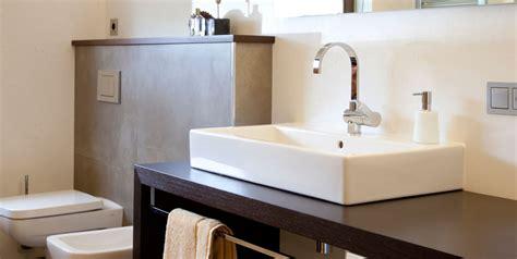 Modernes Bad Waschbecken Auf Holztisch Und Trend Tipps