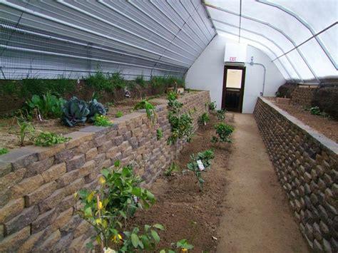 Serre Walipini France by Best 25 Underground Greenhouse Ideas On Pinterest