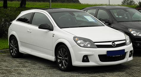 Opel Gtc by File Opel Astra Gtc 1 6 Ecotec Black White H Facelift