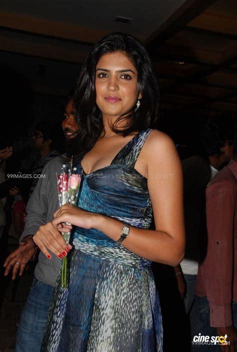 Jai maa vaishno devi status matarani status whatsapp status navratri special ham sab. Sanwariya Seth Hd Image / Deeksha Seth Actress HD photos ...