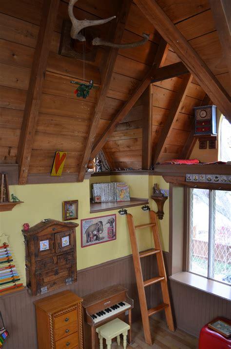 astounding loft ladder ideas  apply   home decohoms