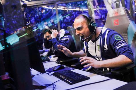 liquid s kuroky becomes first ever dota 2 pro to play every hero in professional matches fox