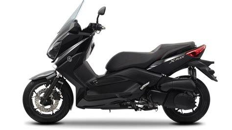 Yamaha Xmax Image by Yamaha Black X Max 250 Image 5