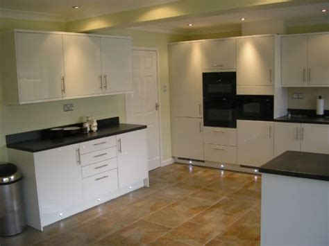 ay installations kitchen fitter  portslade brighton uk