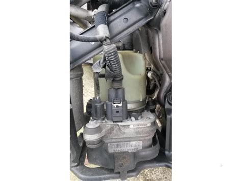 volvo  mw   power steering pump