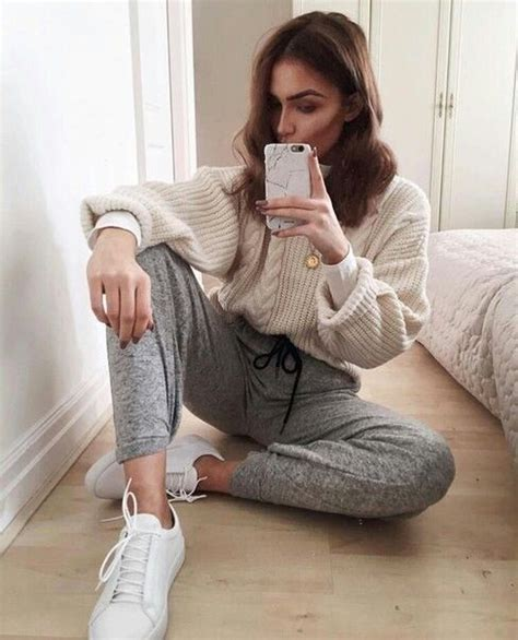 Best 25+ Sweatpants outfit ideas on Pinterest | Nike sweatpants Nike clothes and Nike joggers