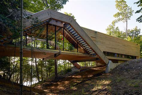 Bridge House Home Across A by La Casa Puente De Llama Design Cosas Pe