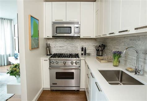 cabinet in the kitchen the 25 best paint laminate cabinets ideas on 5066