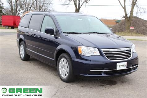 Green Chrysler East Moline Il by New 2016 Chrysler Town Country Lx 4d Passenger In