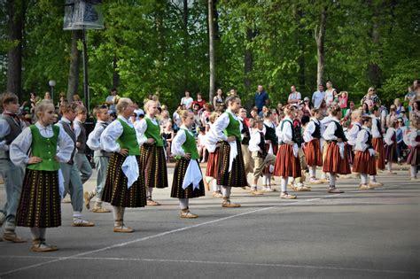 Jelgavas novada svētki: otrās svētku dienas dejas un ...