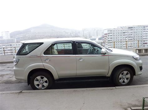Toyota Fortuner Photo by Used 2011 Toyota Fortuner Photos 2700cc Gasoline