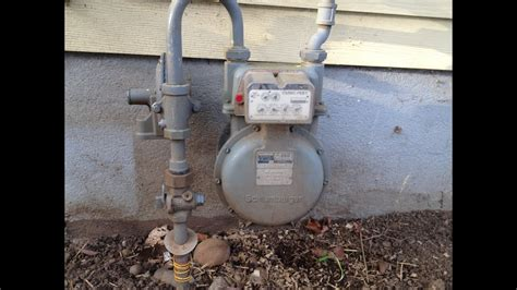 How To Turn Water Back On In House - how to turn and on your gas at the meter