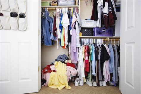 How To Organize Your Closet by How To Organize Your Closet