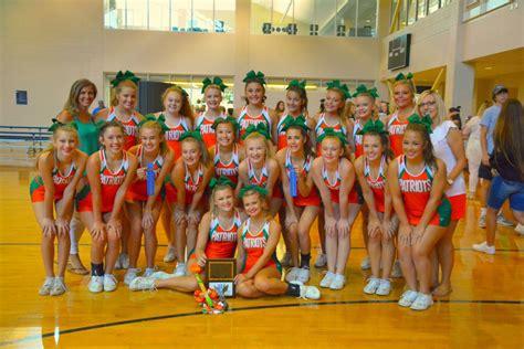 pinewood christian academy pinewood cheerleaders attend fca cheer camp