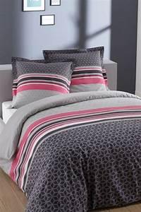 Parure De Lit Original : parures de lit originales d coration facile pour la chambre coucher ~ Teatrodelosmanantiales.com Idées de Décoration
