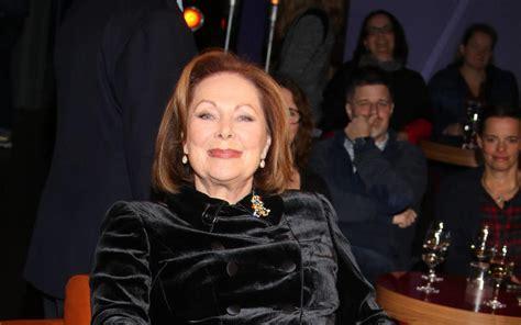 "She is perhaps best known for her role in the film marathon man (1976), which earned her a golden globe award nomination. Heide Keller schimpft über neue ""Traumschiff""-Stars ..."