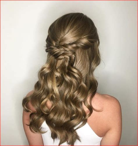 Types of Homecoming Hairstyles You Can Follow (With images