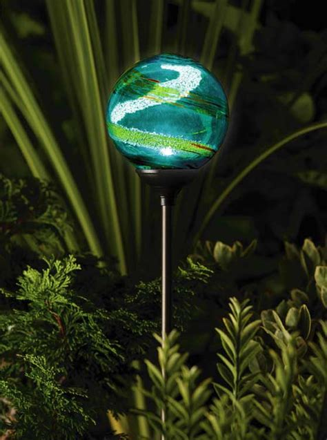solar powered garden lights solar powered garden light envirogadget part 3