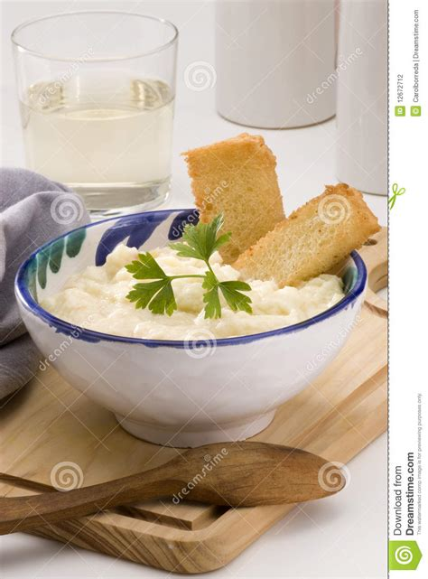 Mashed potatoes in a sentence and translation of mashed potatoes in spanish dictionary with audio pronunciation by dictionarist.com. Spanish Cuisine. Salt Cod With Mashed Potatoes. Stock Photography - Image: 12672712