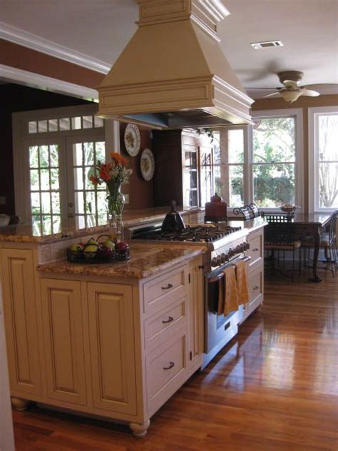 Kitchen Island Vent Ideas by I Ve Been Thinking About This Type Of Island With A Raised