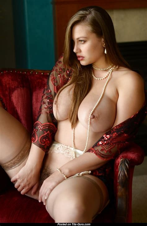 Lillias Right Dame With Bald Natural Dd Size Tittys